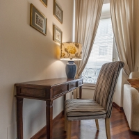 desk, rent home in rome